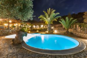 Elegant Villa with swimming pool, 5 Bedroom, 4 bathroom and a double Annex
